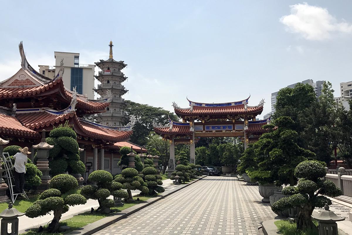 Lian Shan Shuang Lin Monastery